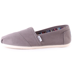 Toms CLASSIC Men Slip On Shoes in Grey