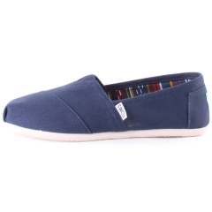 Toms CLASSIC Women Slip On Shoes in Navy