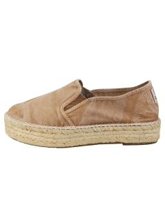 Natural World OLD MURRAY Women Slip On Shoes in Beige